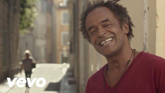 Le même sang - Yannick Noah Yannick Noah rassemble dans les rues de La Ciotat. Un hymne joyeux à la tolérance et à l'égalité. Verbes 1e pers singulier. Transcription :http://enseigner.tv5monde.com/fle/le-meme-sang