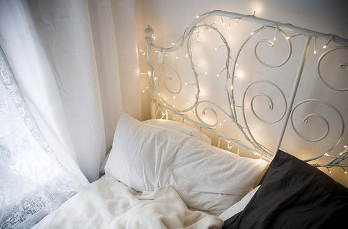 bed: Bed Frames, Bedroom Inspiration, White Lights, Decorating Ideas, Dream Room, Fairy Lights, Bedroom Ideas