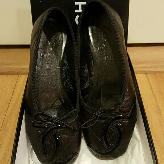 Chanel black ballet flat Chanel black ballet flat wore twice perfect condition CHANEL Shoes Flats & Loafers