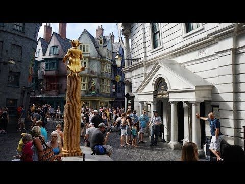 Harry Potter And The Escape From Gringotts Ride Universal Studios Or Universal Studios Universal Studios Orlando Islands Of Adventure