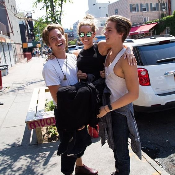 Cole and Dylan Sprouse catching up with Ashley Tisdale.