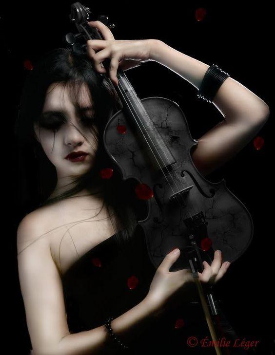 Gothic Violin | romantic gothic poems