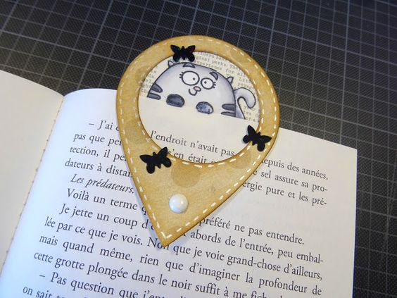 Scrap et Carte : Marque page avec Geotag et tampon Paper Smooches, Colorisation feutre Touch. Papier Simple Story...