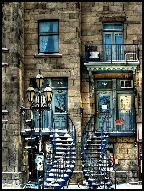 Twin Stairs, Montreal, Canada Treehouse, Grande-Bretagn e Leonardslee Gardens, Angleterre Les Dolomites Italie Un joli escalier à Gènes en Italie Un somptueux couché de soleil dans le Colorado Une rue étroite et colorée, à Burano en Italie Une nuit à...