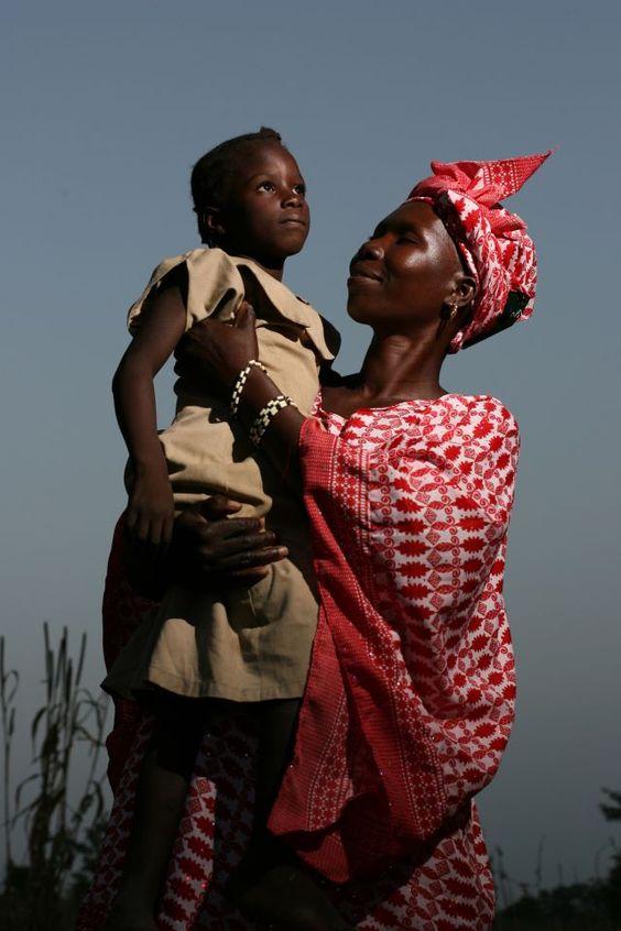Maternidad, no importa la raza o la edad. Una felicidad infinita