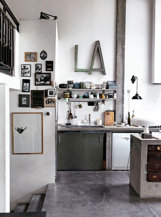 industrial style, concrete, grey, black white | Av Emma Persson Lagerberg Foto Petra Bindel for ELLE Interiör