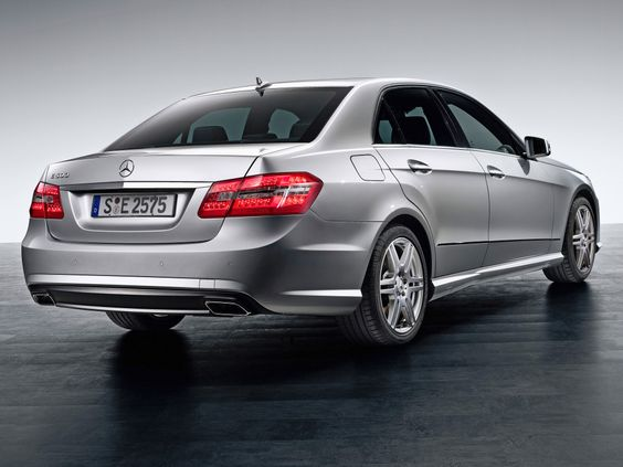 Mercedes-Benz E 500 AMG Sports Package (W212) '2009–12