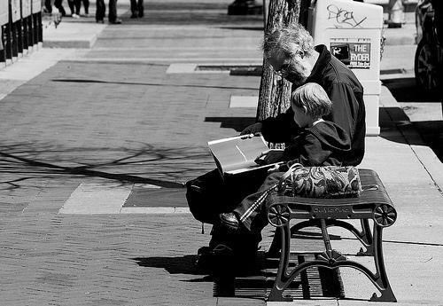 enfant grand parent   bonnes raisons de laisser nos enfants chez les grands parents - Blog ...