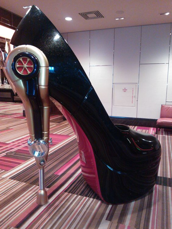 red bottom shoes in las vegas