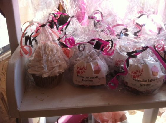 cupcake bath bombs great for wedding favours