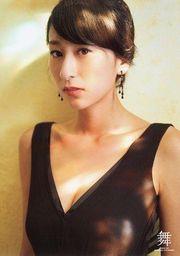 セクシーな雰囲気の浅田舞さん