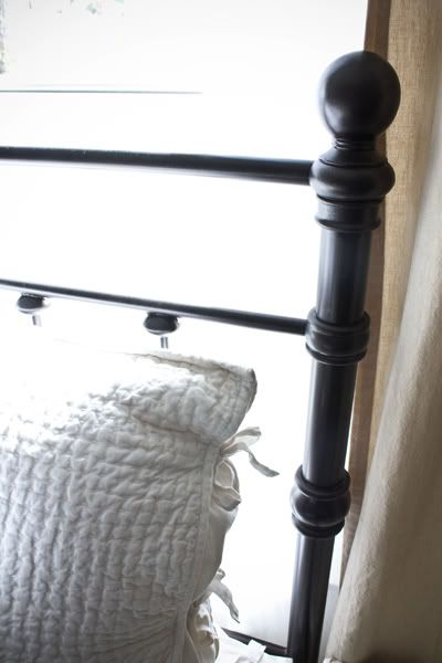 Oil rubbed bronze headboards and bronze on pinterest for How to paint a metal bed frame