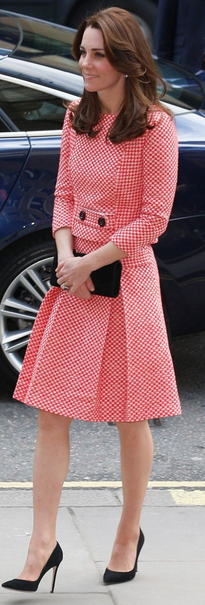 Who made  Kate Middleton's print pleated skirt and jacket?: