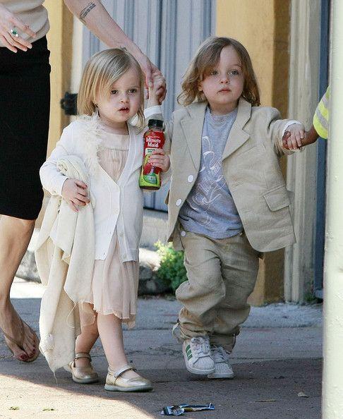 Shiloh Jolie-Pitt and Vivienne Jolie Pitt Photos Photos ...