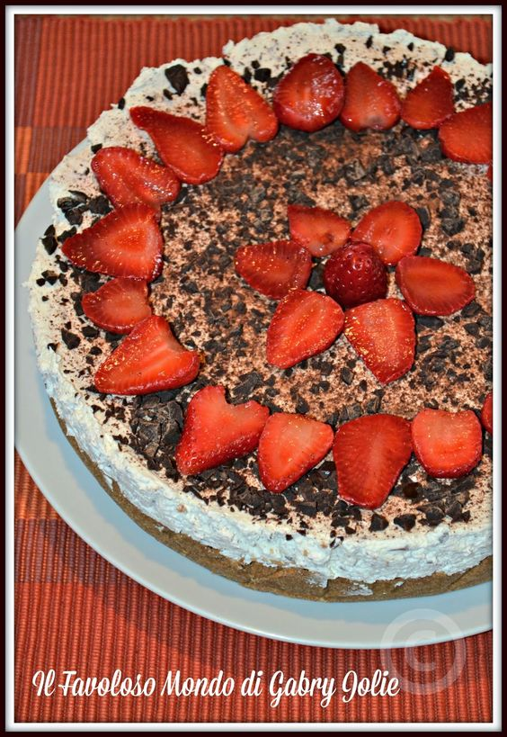 #Cheesecake #fragole e stracciatella  #Cheesecake #strawberries with #ricotta and #chocolate homemade  #recipes #homemade #homecooking #blogpost #bloggers #foodphotography #foodblog #yummy #yummyfood #delicious #foodgasm #foodpics #foodporm #foodpost #ricette   #ricettefacili #dolci #torte
