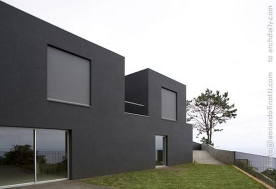 Minimalist home designs with a trapezoidal shape. House design minimalist house was part of a small lot in a trapezoidal shape and is located to the east of the city of Funchal. The altimeter difference fields in the order of 8 meters the highest point of the street.
