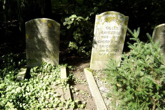 Gravestones by MysteriousBabyOwl.deviantart.com on @DeviantArt