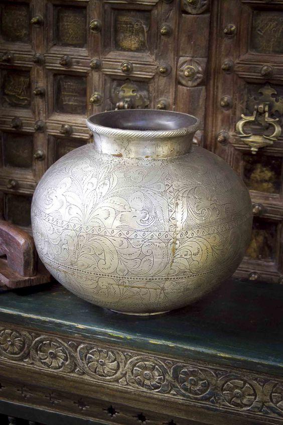 Beautiful hand engraved floral design vase