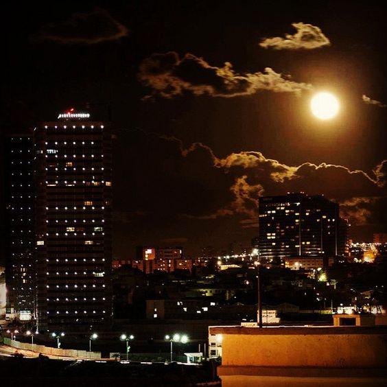 ORAN CITY #algeria #algerie #oran #wahran #sheraton #moon