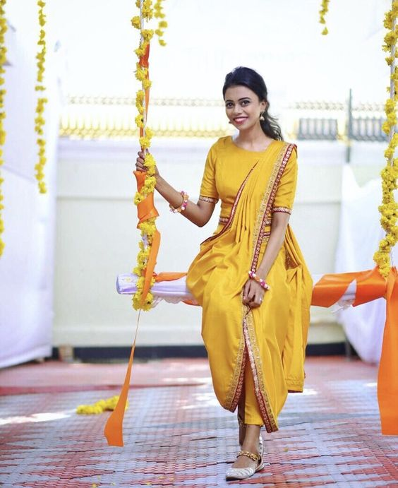 Classy Mehndi & Haldi outfit with a tinch of yellow !! #yellow #outfit #bride #mehndi #haldi #indian #decoration