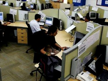 Business sentiment hits decade low stagnates growth of service sector