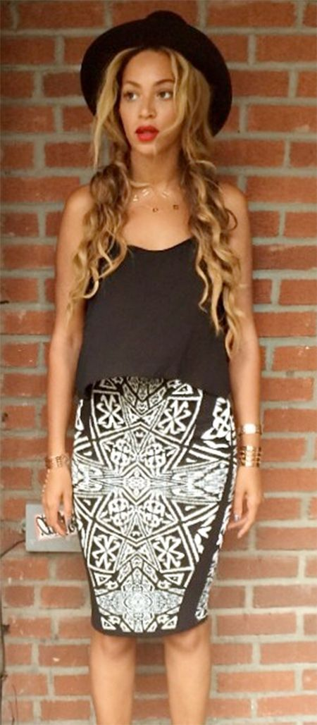 Beyoncé looking good in a #nicolemiller Artelier maze print skirt.