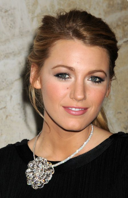 love Blake Lively's  eye makeup!