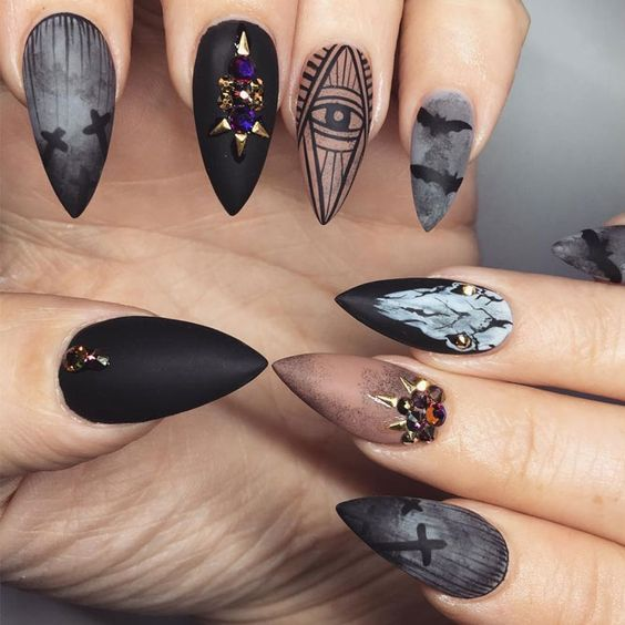 There are no limits when considering Halloween nails. This occasion requires you to use your imagination, and we have many ideas how you can do it.