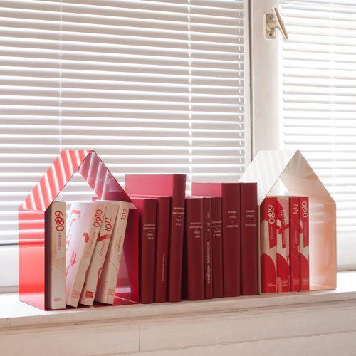 Serre-livres maison en métal Domus (rouge ou blanc) Pa Design