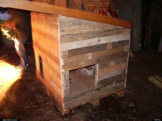 Construction d'un poulailler avec des palettes de récupération - Gallinette.net pour le bien être de nos poulettes