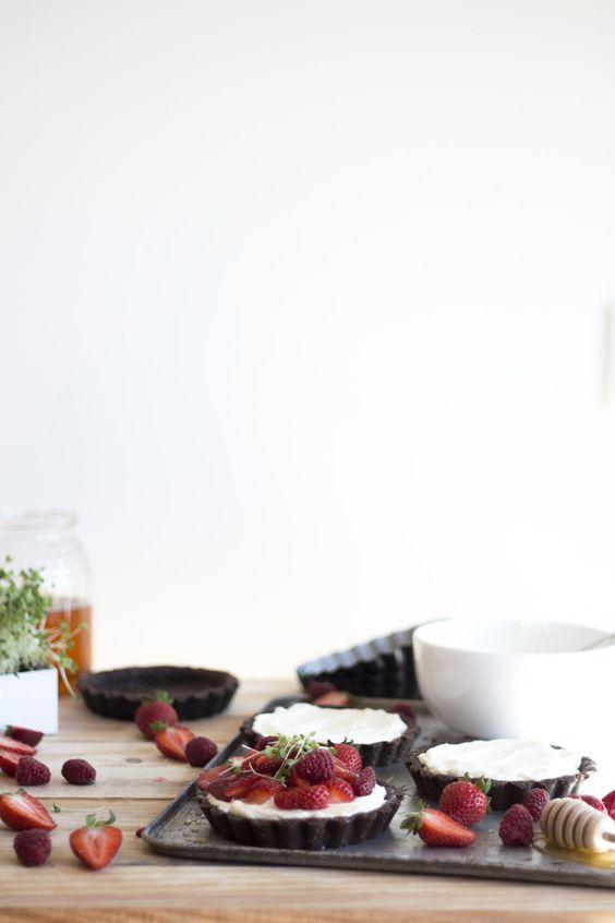 Tarteletes de frutos vermelhos e microvegetais Life in a bag por Migalha Doce