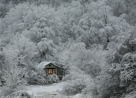 I don't know if I would want to be there in the winter. looks beautiful but....