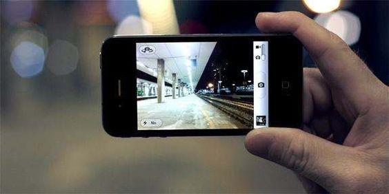 Top List College Introduces Course On iPhoneography - I would totally do this!