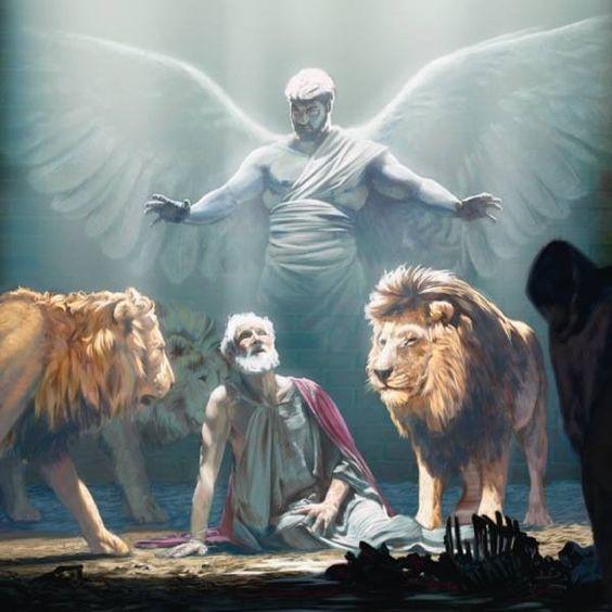 Daniel 6 : 23 'Mijn God heeft zijn engel gestuurd,' zei Daniël, 'om de muil van de leeuwen dicht te houden, zodat zij mij niet zouden verscheuren.