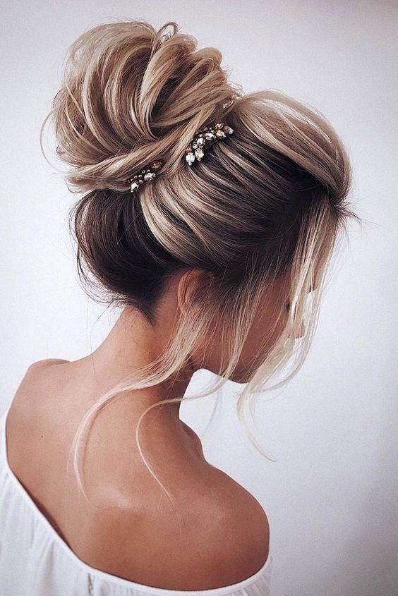 High Loose Bun Wedding Updo Hairstyles Weddinghairstyles Bun Hairstyle Hairstyles High Loose Updo Medium Hair Styles Homecoming Hairstyles Hair Styles