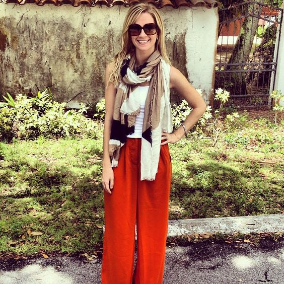 Orange palazzo pants. http://erikathomas.com #fashion #womensapparel #clothing #blonde #blogger #miami