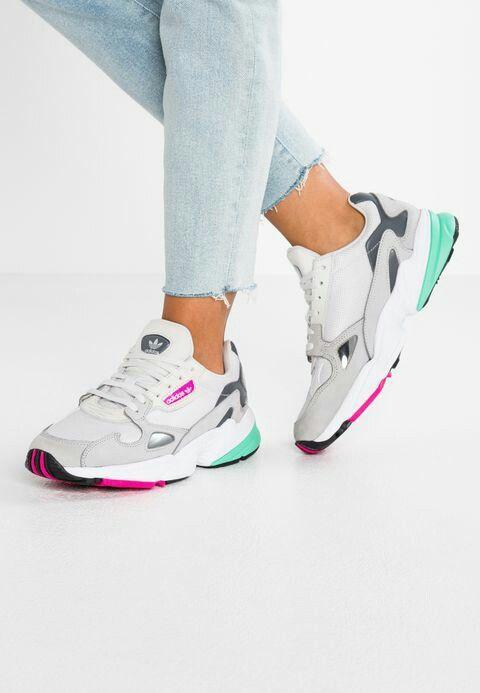 Escoba correr manga  Blanco verde y fucsia | Adidas zapatillas mujer, Zapatos tenis para mujer,  Zapatos adidas