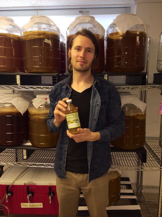 Local Kansas-made kombucha. KANBucha, available in the Door to Door Organics Shop offers detoxifying and digestive benefits and is crafted by a KU graduate.