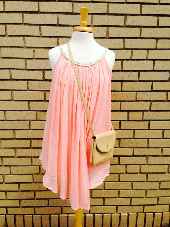 Goddess like Emma T dress (S) with a light leather sling back bag