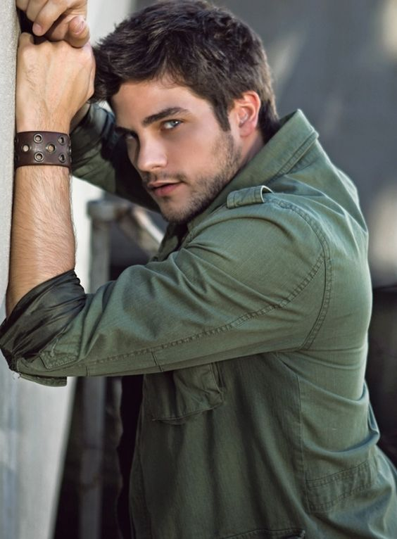 brant daughtery..pretty little liars: