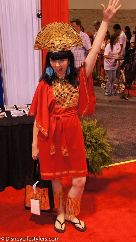 DisneyLifestylers emperor kuzco d23 expo View more EPIC cosplay at http://pinterest.com/SuburbanFandom/cosplay/: