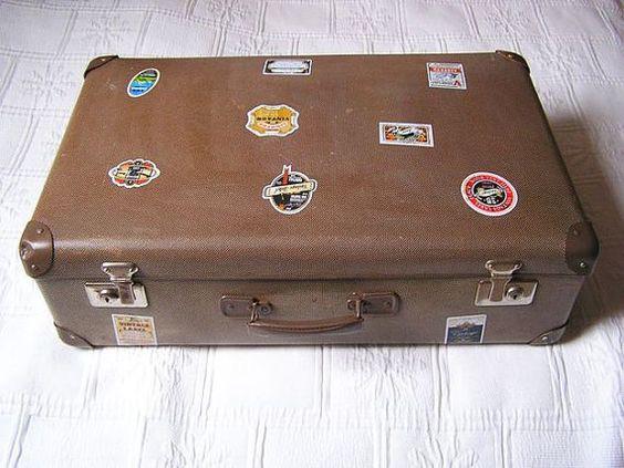 Kultiger alter Koffer aus den 70er Jahren von DreamlandofElves