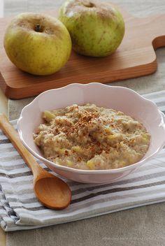 Oat apple porridge - Avena con manzana, plátano y leche de almendras