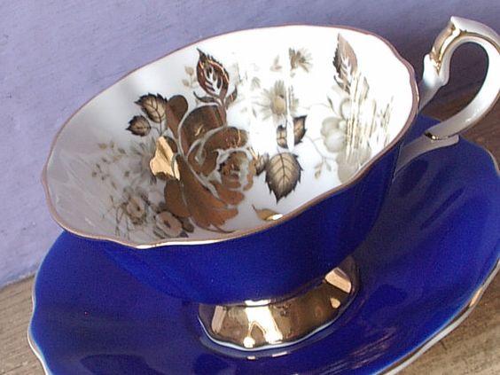 Du Vintage 1960 thé anglais tasse et soucoupe, reine Anne or rose tasse à thé, tasse à thé porcelaine, tasse à thé bleu Cobalt, cadeau de mariage pour la mariée