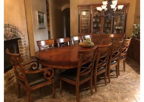 Beautiful Old World Style Dining Table And Chairs Set Almo Used Furniture For Sale Dining Custom Dining Room Kitchen Dining Furniture