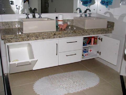 Resultado de imagem para armários de banheiros planejados