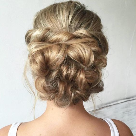 I ❤️ bridal hair styling #heatherchapmanhair #updo #weddinghair #prettyhair…