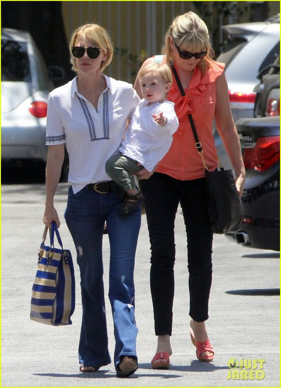 January Jones takes her son Xander out to lunch on June 10, 2013