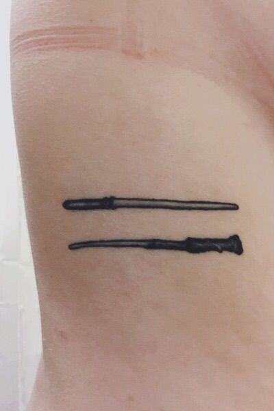 draco malfoy and harry potter 39 s wands tattoos tattoos pinterest wands draco malfoy and. Black Bedroom Furniture Sets. Home Design Ideas