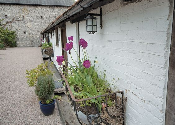 Owl Cottage, Holiday Cottage in Smugglersbarnjevington, East Sussex http://holidaycottage.com/cottage/owl-cottage-smugglers-barn-jevington-east-sussex-9303.html